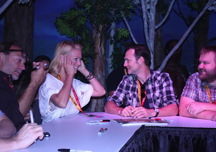 Greg Nicotero (Özel Efekt Uzmanı), Laurie Holden (Andrea), David Morrissey (The Governor) ve Robert Kirkman