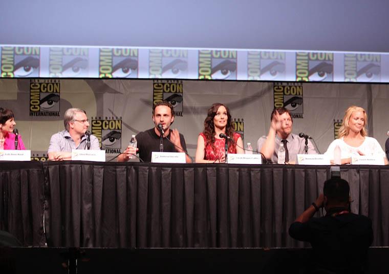 Gale Anne Hurd (Yapımcı), Glen Mazzara (Yapımcı), Andrew Lincoln (Rick Grimes), Sarah Wayne Callies (Lori Grimes), Norman Reedus (Daryl Dixon) ve Laurie Holden (Andrea)