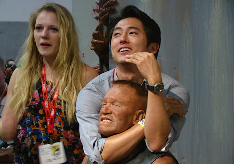 Emma Bell (Amy) ve Steven Yeun (Glenn)