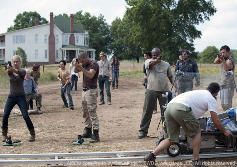 The Walking Dead Season 2 Behind the Scenes Photos