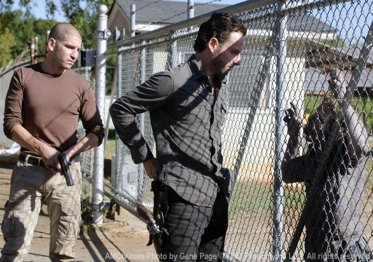 Shane Walsh (Jon Bernthal) ve Rick Grimes (Andrew Lincoln)