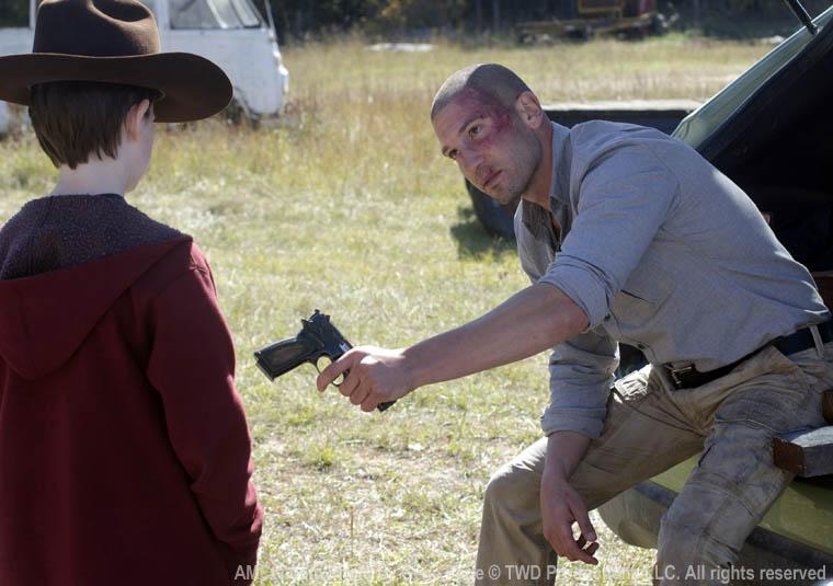 Silahı verdiğin kişiye dikkat edeceksin :)