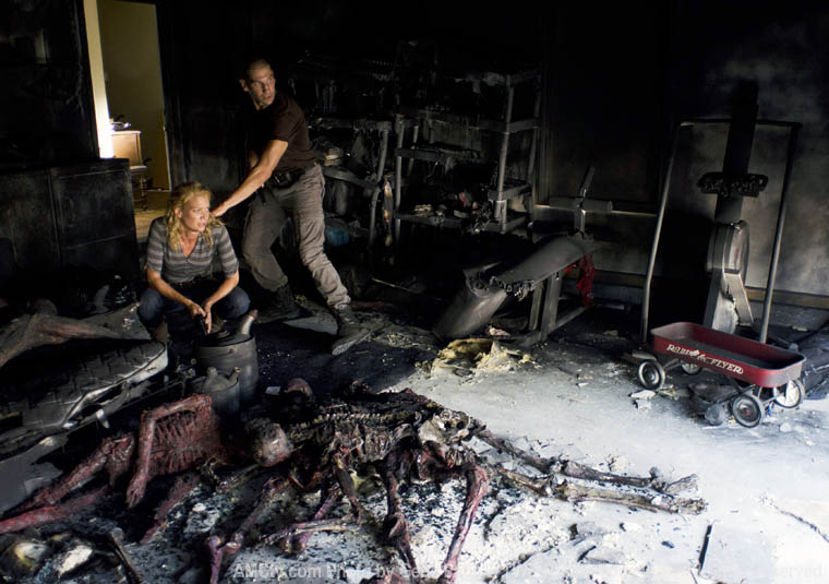 Andrea (Laurie Holden) ve Shane Walsh (Jon Bernthal)