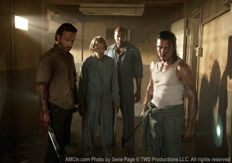 Rick Grimes (Andrew Lincoln), Axel (Lew Temple), Oscar (Vincent Ward) ve Tomas (Nick Gomez)